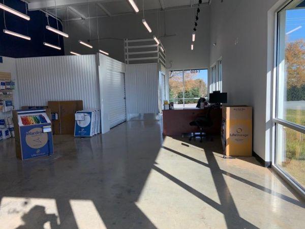 Life Storage - Thomasville - 1450 East Sunrise Avenue 1450 East Sunrise Avenue Thomasville, NC - Photo 2