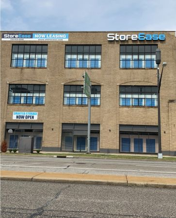 StoreEase Chester Ave 3005 Chester Avenue Cleveland, OH - Photo 1