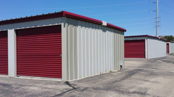 Superior Storage - Madison (Point Storage) 3690 Commerce Drive Madison, WI - Photo 4