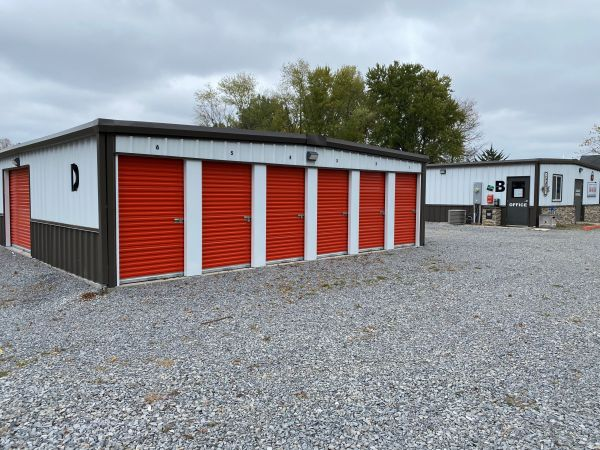 Advantage Self Storage - Benton 1109 West Washington Street Benton, IL - Photo 1