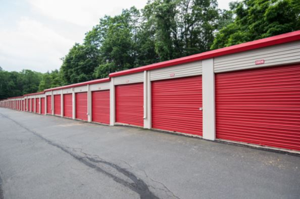 Storage Rentals of America - Simsbury Center - West Street 123R West Street Simsbury, CT - Photo 4