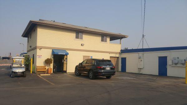 Storage King USA - 067 - Fresno - Weber Ave 5090 North Weber Avenue Fresno, CA - Photo 2