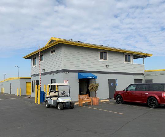 Storage King USA - 067 - Fresno - Weber Ave
