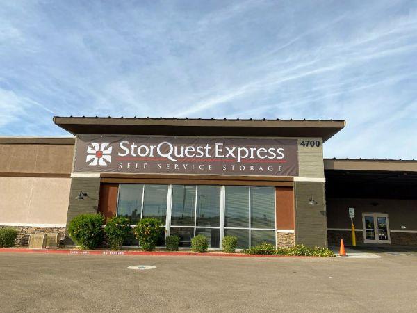 StorQuest Express- Gilbert / Val Vista 4700 South Val Vista Drive Gilbert, AZ - Photo 0