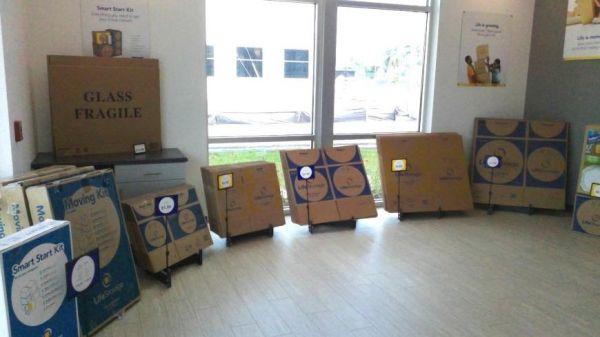 Life Storage - Bradenton - 3708 Manatee Avenue West 3708 Manatee Avenue West Bradenton, FL - Photo 4