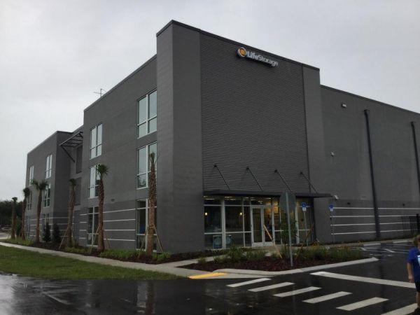 Life Storage - Bradenton - 3708 Manatee Avenue West 3708 Manatee Avenue West Bradenton, FL - Photo 6