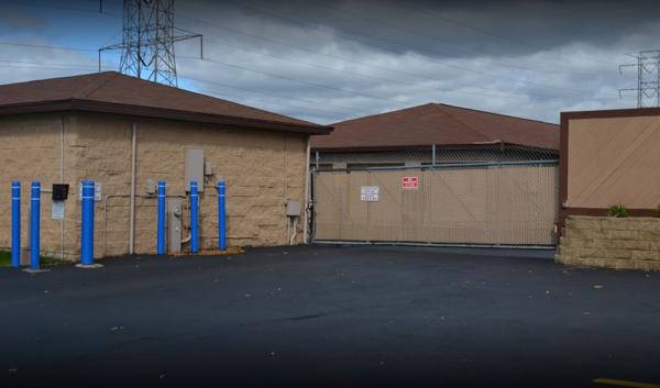 Storage Rentals of America - West Allis - W Lapham St 11108 West Lapham Street West Allis, WI - Photo 4