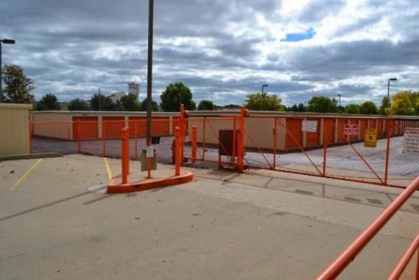 Storage Rentals of America - Oak Creek - W Rawson Ave 1019 West Rawson Avenue Oak Creek, WI - Photo 2