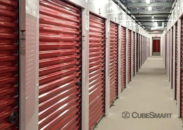 CubeSmart Self Storage - IL Chicago Heights - West 14th Street 571 West 14th Street Chicago Heights, IL - Photo 3