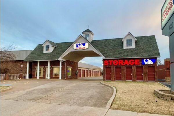 Advantage Storage - Edmond West 620 West Edmond Road Edmond, OK - Photo 1