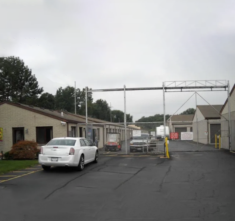 Storage Rentals of America - Toledo - Secor Rd