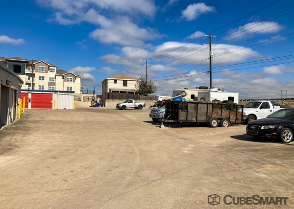 CubeSmart Self Storage - TX Georgetown NE Inner Loop Rd 1301 NE Inner Loop Rd Georgetown, TX - Photo 2