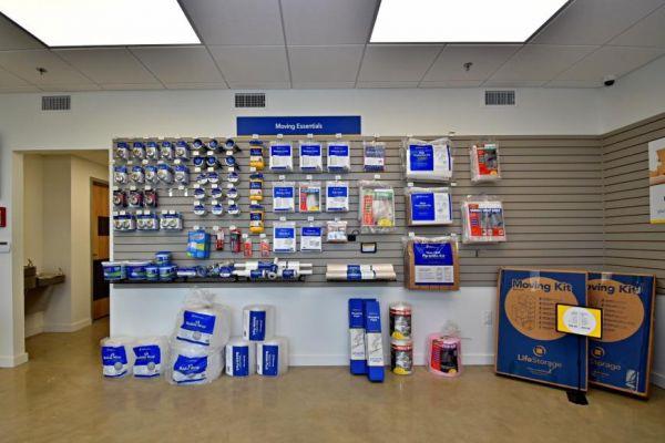 Life Storage - San Antonio - 870 Hot Wells Boulevard 870 Hot Wells Boulevard San Antonio, TX - Photo 5