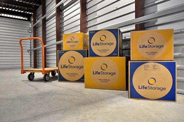 Life Storage - San Antonio - 870 Hot Wells Boulevard 870 Hot Wells Boulevard San Antonio, TX - Photo 6