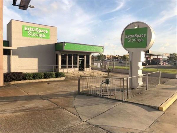 Extra Space Storage - Elmwood - Jefferson Hwy 5104 Jefferson Highway Elmwood, LA - Photo 0