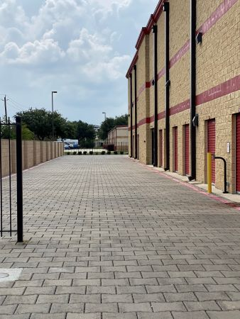 Devon Self Storage - DPE 2515 Westminister Road Pearland, TX - Photo 10