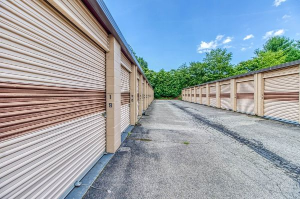 Rent-A-Space-Roanoke 460 1524 Patrick Road Northeast Roanoke, VA - Photo 9
