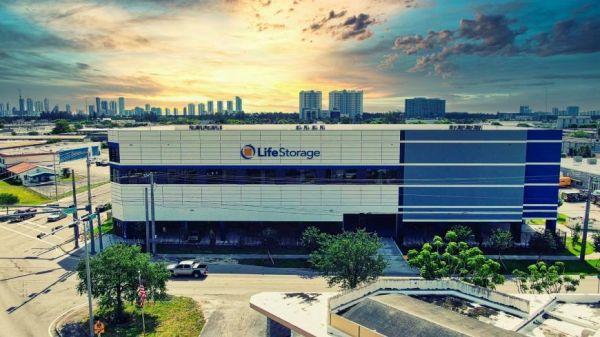 Life Storage - North Miami - 15025 Northeast 18th Avenue 15025 Northeast 18th Avenue North Miami, FL - Photo 0