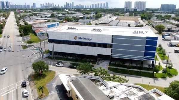 Life Storage - North Miami - 15025 Northeast 18th Avenue 15025 Northeast 18th Avenue North Miami, FL - Photo 4