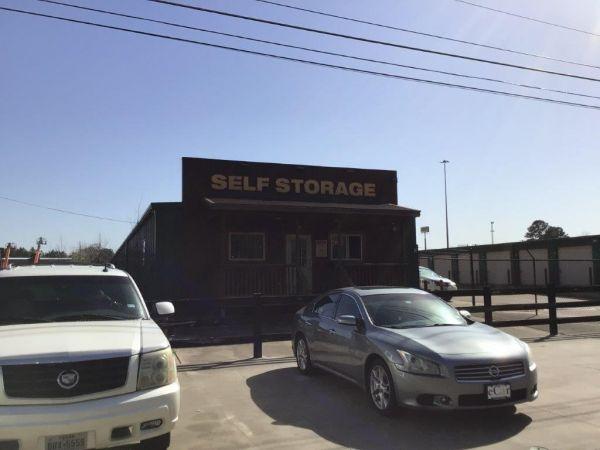 FreeUp Storage I-20 220 Pittman Street Longview, TX - Photo 0