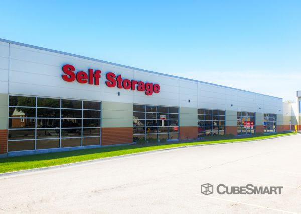CubeSmart Self Storage - IL Wheaton E Roosevelt Road 1830 East Roosevelt Road Wheaton, IL - Photo 3