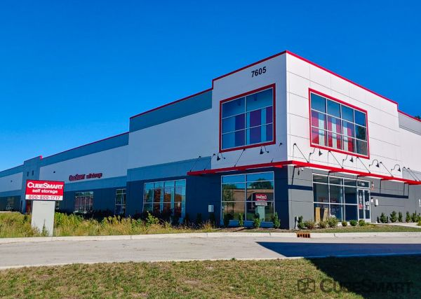 CubeSmart Self Storage - IL Willowbrook Quincy Avenue 7605 South Quincy Street Willowbrook, IL - Photo 0