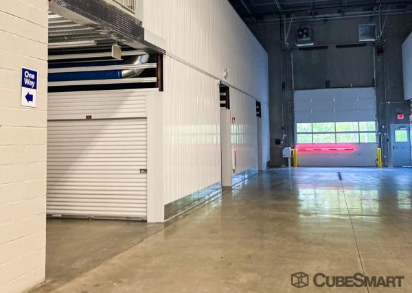 CubeSmart Self Storage - IL Willowbrook Quincy Avenue 7605 South Quincy Street Willowbrook, IL - Photo 2