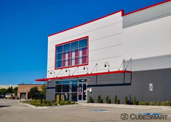 CubeSmart Self Storage - IL Willowbrook Quincy Avenue 7605 South Quincy Street Willowbrook, IL - Photo 6