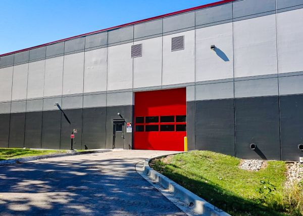 CubeSmart Self Storage - IL Willowbrook Quincy Avenue 7605 South Quincy Street Willowbrook, IL - Photo 8