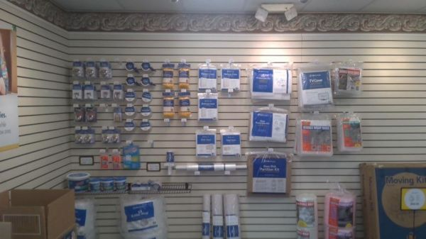 Life Storage - Fort Lauderdale - 3001 North Dixie Highway 3001 North Dixie Highway Fort Lauderdale, FL - Photo 1