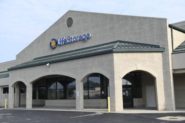 Life Storage - Cleveland - 13820 Lorain Avenue 13820 Lorain Avenue Cleveland, OH - Photo 2