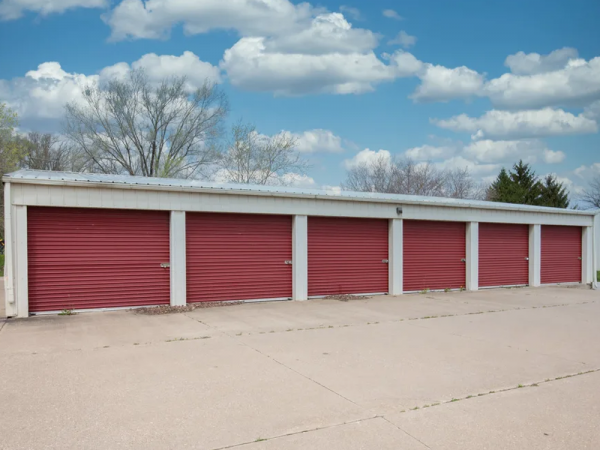 Storage Rentals of America - Bettendorf - Valley Dr. 5507 Valley Drive Bettendorf, IA - Photo 1