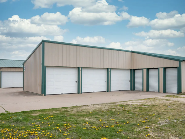 Storage Rentals of America - Bettendorf - Valley Dr. 5507 Valley Drive Bettendorf, IA - Photo 2