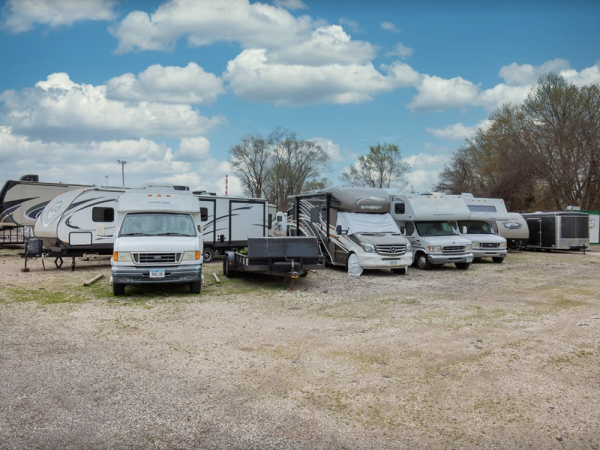 Storage Rentals of America - Bettendorf - Valley Dr. 5507 Valley Drive Bettendorf, IA - Photo 3