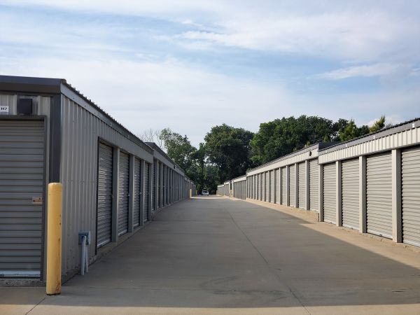 SpareBox Storage – Bentonville 10620 Arkansas 72 Bentonville, AR - Photo 3