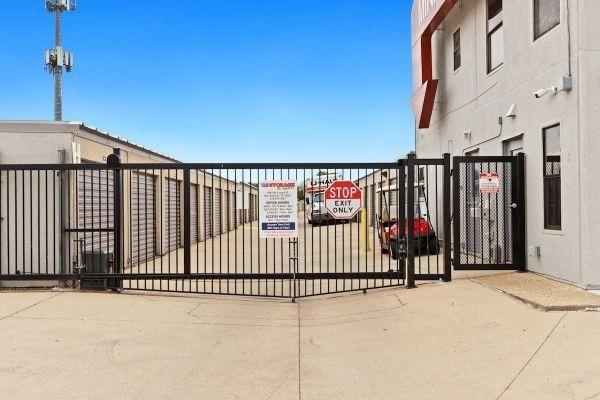 Life Storage - San Antonio - 636 Southwest Loop 410 636 Southwest Loop 410 San Antonio, TX - Photo 5