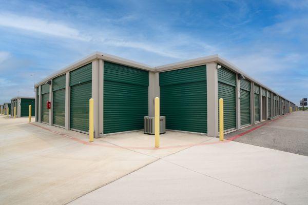 Storage King USA - 102 - Seguin, TX - 1842 I-10 1842 Interstate 10 Seguin, TX - Photo 0