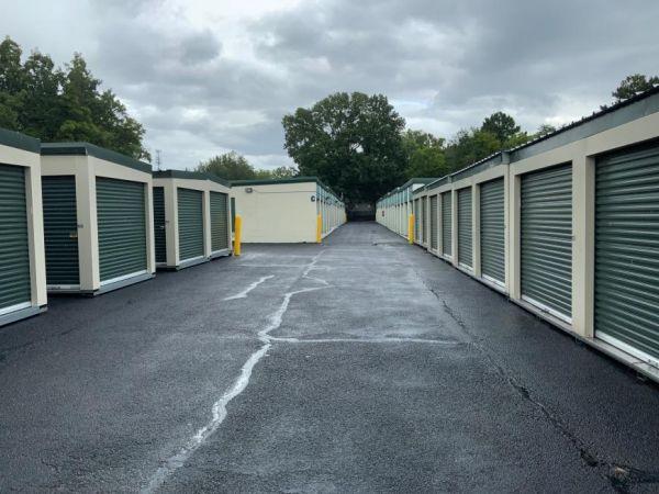 Life Storage - Huntsville - 315 Oakwood Avenue Northeast 315 Oakwood Avenue Northeast Huntsville, AL - Photo 2
