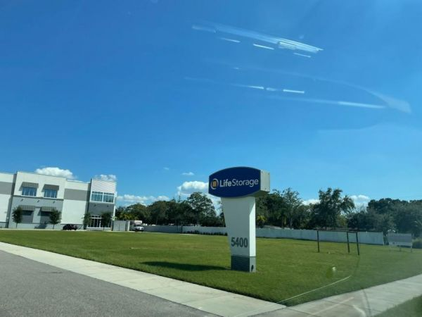 Life Storage - Tampa - 5400 South West Shore Boulevard 5400 South West Shore Boulevard Tampa, FL - Photo 2