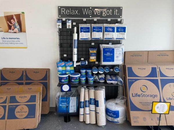 Life Storage - Tampa - 5400 South West Shore Boulevard 5400 South West Shore Boulevard Tampa, FL - Photo 1