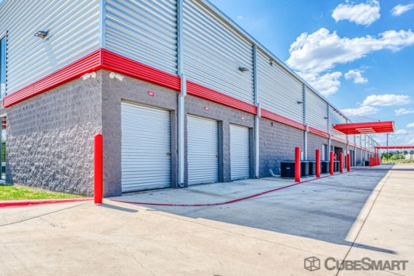 CubeSmart Self Storage - TX Pflugerville Howard LN 2220 East Howard Lane Pflugerville, TX - Photo 3