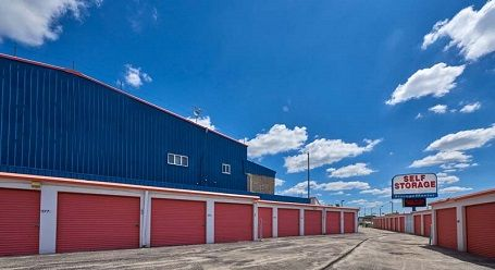 StorageMart - I-4 & N 124th St