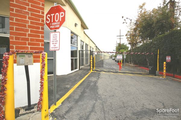 Allen Avenue Self Storage 234 N Allen Ave Pasadena, CA - Photo 3