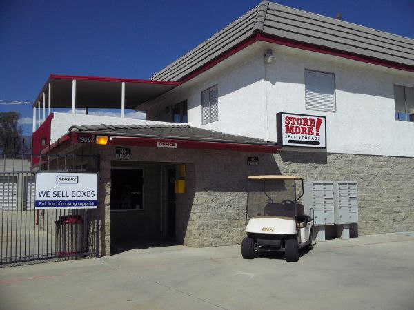 RightSpace Storage 2909 W Lincoln St Banning, CA - Photo 0