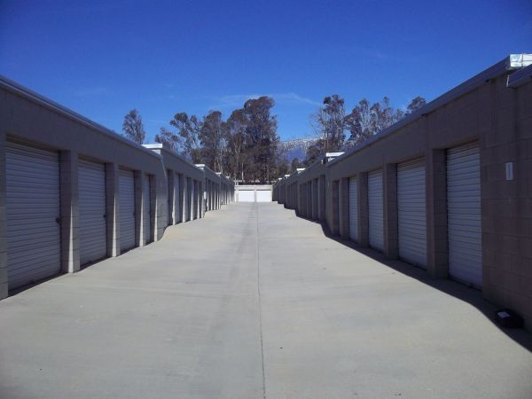 RightSpace Storage 2909 W Lincoln St Banning, CA - Photo 2