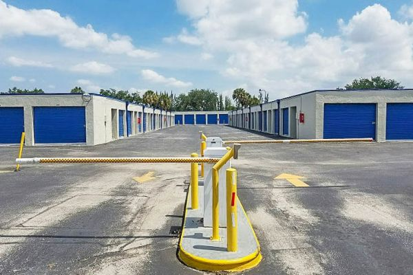 US Storage Centers - Plantation - 6701 NW 18th Ct 6701 NW 18th Ct Plantation, FL - Photo 9