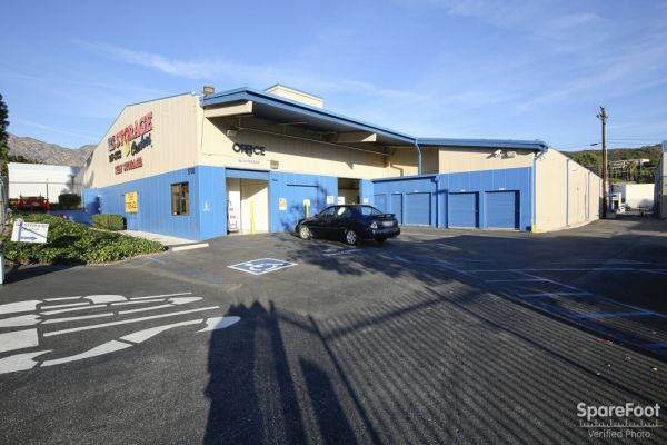 US Storage Centers - Montrose - 3708 Clifton Pl 3708 Clifton Pl Montrose, CA - Photo 1