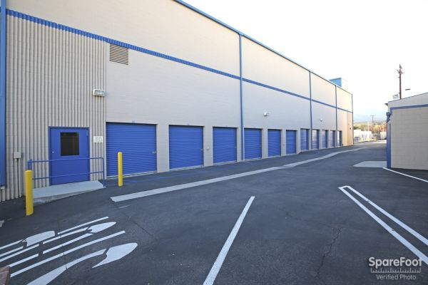 US Storage Centers - Montrose - 3708 Clifton Pl 3708 Clifton Pl Montrose, CA - Photo 11