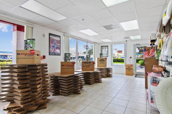 Us Storage Centers3975 W 16th Ave Hialeah Fl Photo 6
