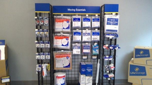 Life Storage - Cheektowaga - Leo Place 40 Leo Pl Cheektowaga, NY - Photo 4